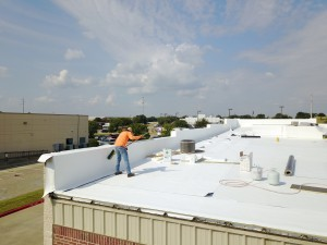 commercial roofing crew dallas